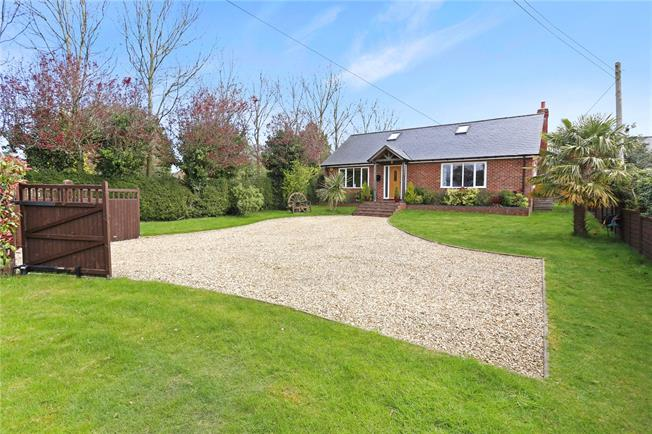 Guide Price £675,000, 3 Bedroom Bungalow For Sale in Alresford, Hampshire, SO24