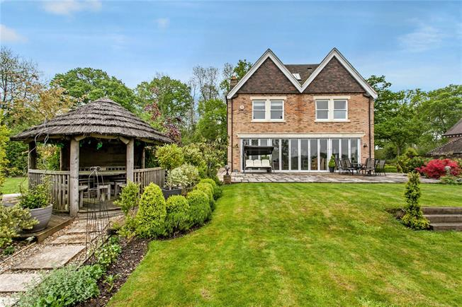 Guide Price £1,350,000, 5 Bedroom Detached House For Sale in Upham, SO32