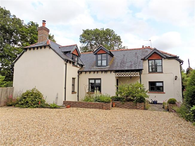 Guide Price £825,000, 4 Bedroom Detached House For Sale in Hampshire, SP11