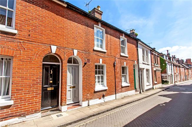 Asking Price £479,950, 2 Bedroom Terraced House For Sale in Winchester, SO23