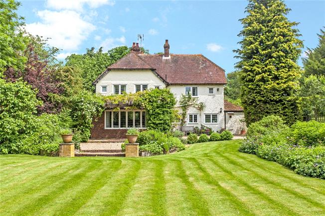 Guide Price £900,000, 4 Bedroom Detached House For Sale in Alresford, Hampshire, SO24