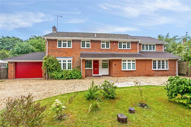 Guide Price £950,000, 5 Bedroom Detached House For Sale in Hampshire, SO22