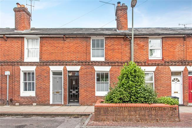 Guide Price £449,950, 3 Bedroom Terraced House For Sale in Winchester, SO23