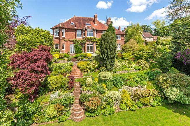 Guide Price £2,000,000, 6 Bedroom Detached House For Sale in Winchester, SO23