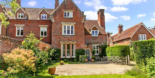 Asking Price £895,000, 6 Bedroom House For Sale in Timsbury, SO51