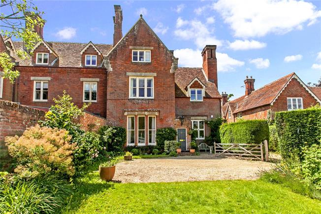 Asking Price £995,000, 6 Bedroom Town House For Sale in Romsey, Hampshire, SO51
