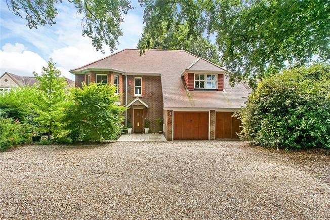 Guide Price £1,100,000, 5 Bedroom Detached House For Sale in Winchester, SO22