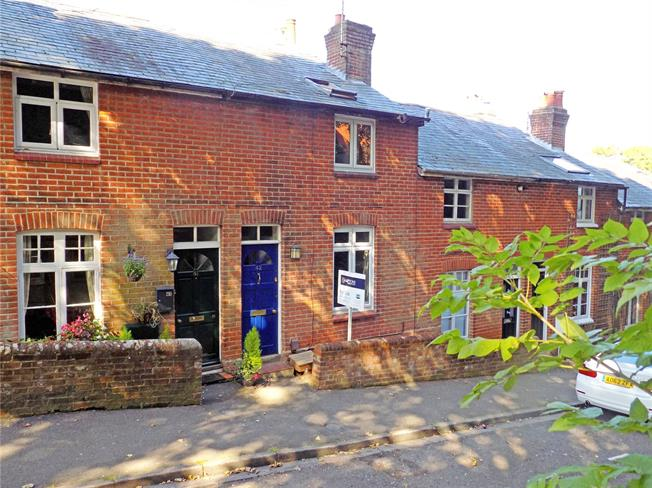 Guide Price £625,000, 3 Bedroom Terraced House For Sale in Winchester, SO22