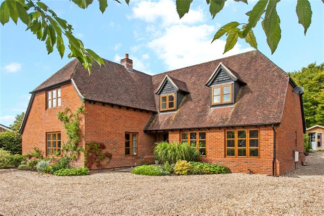 Guide Price £850,000, 4 Bedroom Detached House For Sale in Andover, Hampshire, SP11