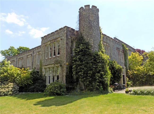 Offers in excess of £750,000, 4 Bedroom House For Sale in Soberton, SO32