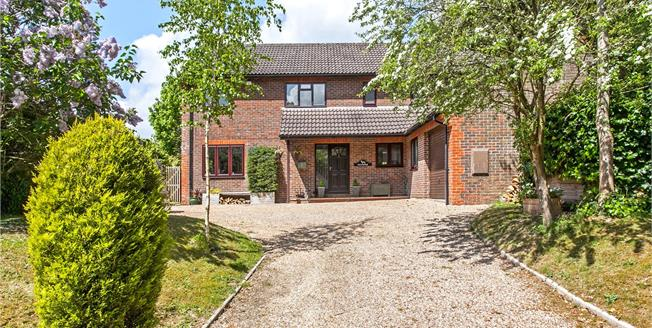 Guide Price £799,950, 5 Bedroom Detached House For Sale in Ropley, SO24