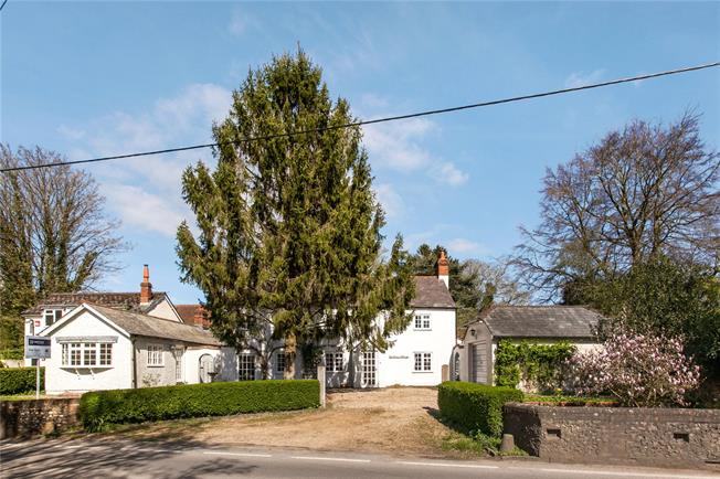 Guide Price £649,000, 4 Bedroom Detached House For Sale in Hampshire, SO24