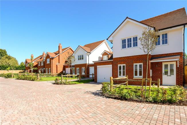 Guide Price £599,950, 5 Bedroom Detached House For Sale in Southampton, Hampshire, SO32