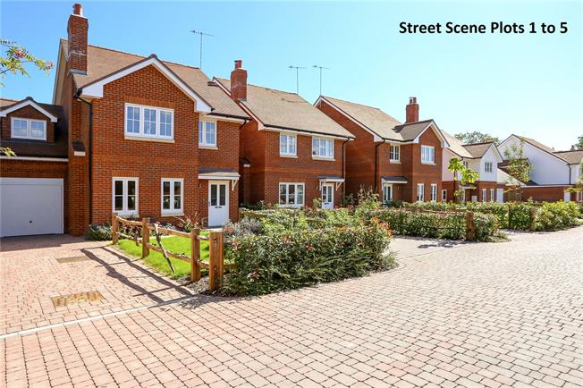 Guide Price £499,950, 3 Bedroom Detached House For Sale in Corhampton, SO32