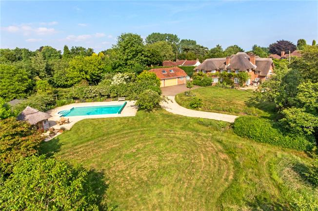 Guide Price £1,050,000, 5 Bedroom Detached House For Sale in Hampshire, SO51