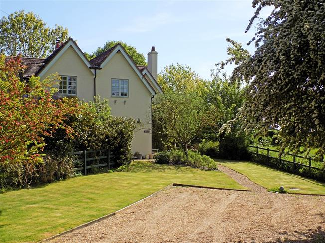 Guide Price £499,000, 3 Bedroom Semi Detached House For Sale in Little Somborne, SO20