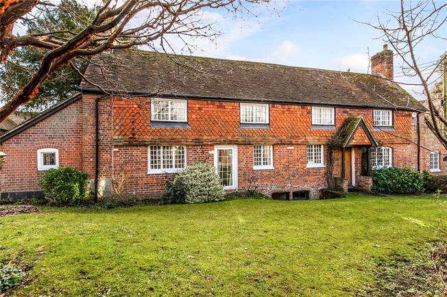 Guide Price £700,000, 4 Bedroom Detached House For Sale in Hursley, SO21