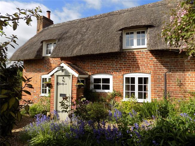 Guide Price £485,000, 3 Bedroom Detached House For Sale in Little London, SP11