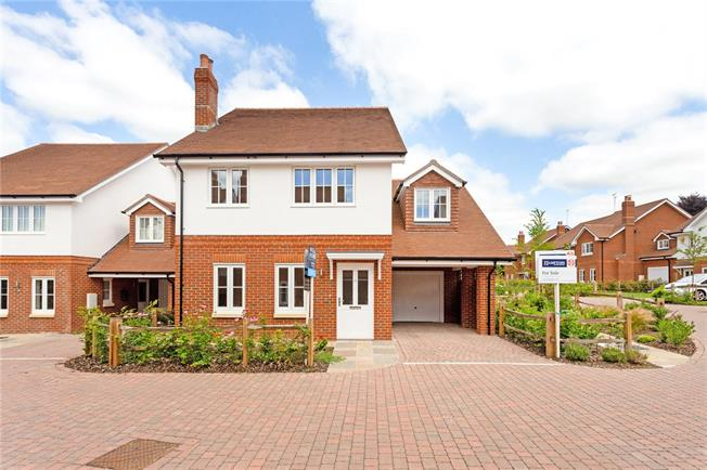 Guide Price £475,000, 3 Bedroom Detached House For Sale in Hampshire, SO32