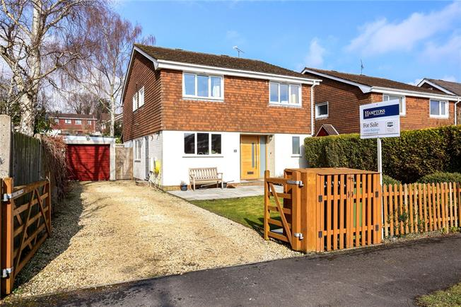 Guide Price £575,000, 4 Bedroom Detached House For Sale in Kings Worthy, SO23