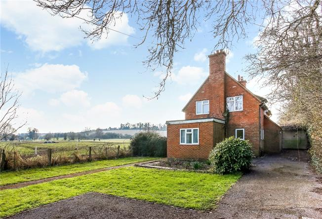 Offers in excess of £500,000, 3 Bedroom Detached House For Sale in Upper Clatford, SP11