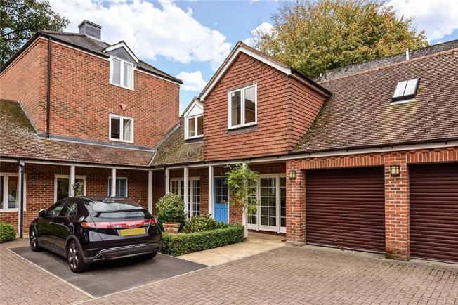 Offers in excess of £500,000, 3 Bedroom House For Sale in Winchester, SO23