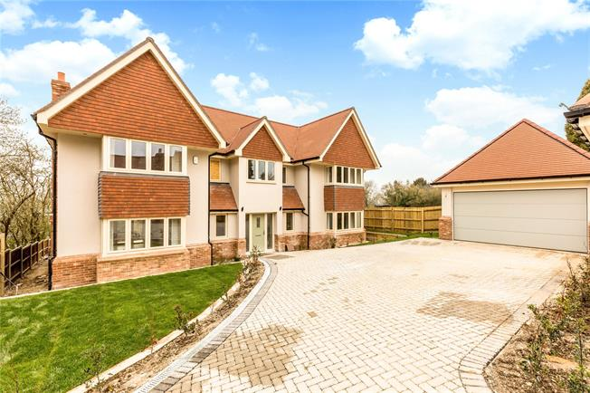 Guide Price £1,150,000, 4 Bedroom Detached House For Sale in Winchester, Hampshire, SO23