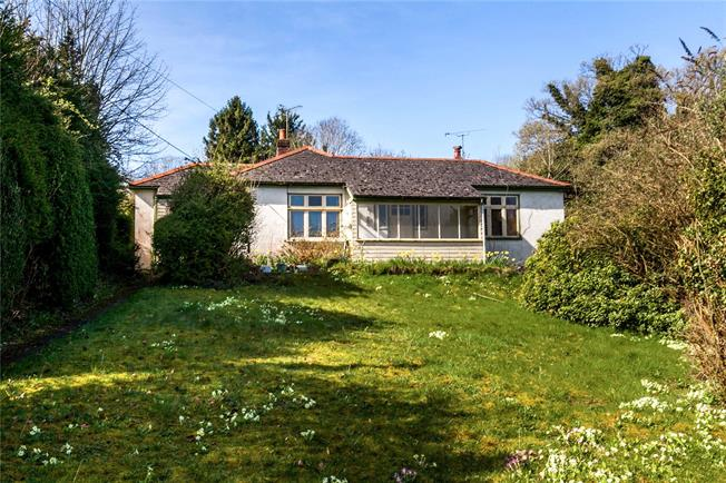 Offers in excess of £500,000, 4 Bedroom Bungalow For Sale in Headbourne Worthy, SO23