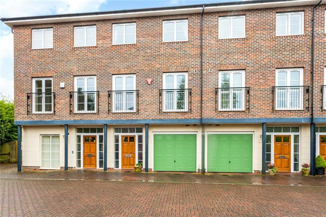 Guide Price £725,000, 3 Bedroom Terraced House For Sale in Hampshire, SO22