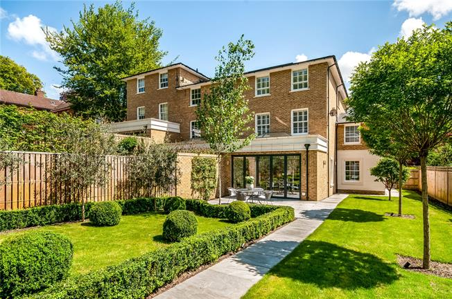 Offers in excess of £1,725,000, 4 Bedroom Mews House For Sale in Winchester, SO23