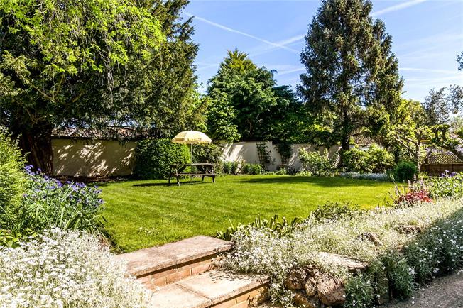 Guide Price £699,950, 4 Bedroom Detached House For Sale in Hampshire, SP11