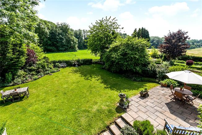Guide Price £750,000, 4 Bedroom Semi Detached House For Sale in Itchen Abbas, Winchester, SO21
