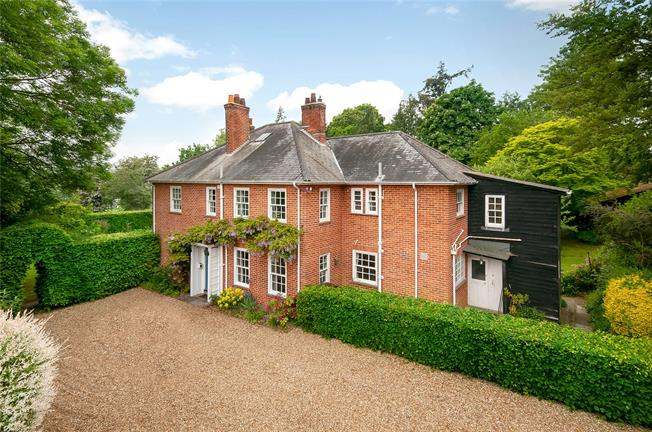 Guide Price £1,350,000, 6 Bedroom Detached House For Sale in Compton, SO21