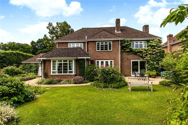 Guide Price £1,350,000, 4 Bedroom Detached House For Sale in Winchester, SO22