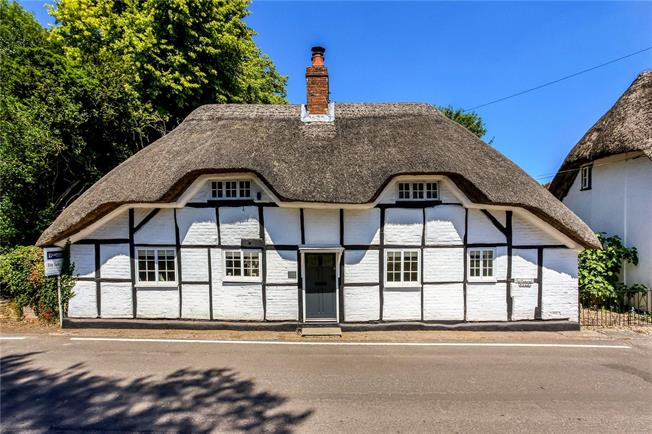 Guide Price £595,000, 3 Bedroom Detached House For Sale in Micheldever, SO21