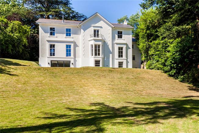 Offers in excess of £1,150,000, 6 Bedroom Detached House For Sale in Hampshire, SO30
