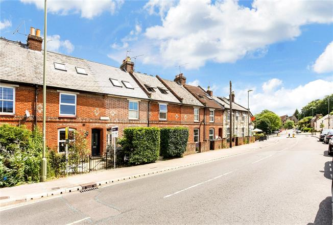 Guide Price £595,000, 3 Bedroom Terraced House For Sale in Winchester, SO22