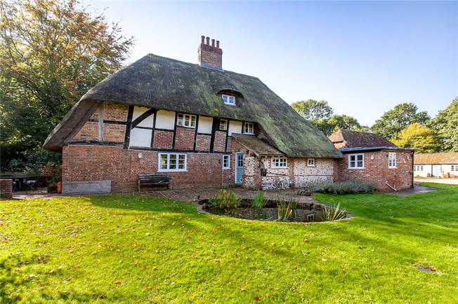 Guide Price £995,000, 4 Bedroom Detached House For Sale in Hampshire, SO32