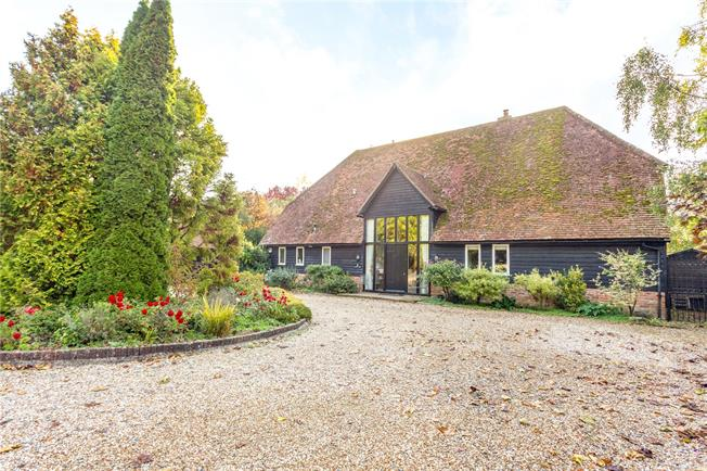 Guide Price £1,395,000, 4 Bedroom Detached House For Sale in Pitt, SO22