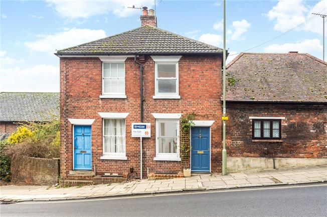 Guide Price £450,000, 3 Bedroom Terraced House For Sale in Winchester, SO23