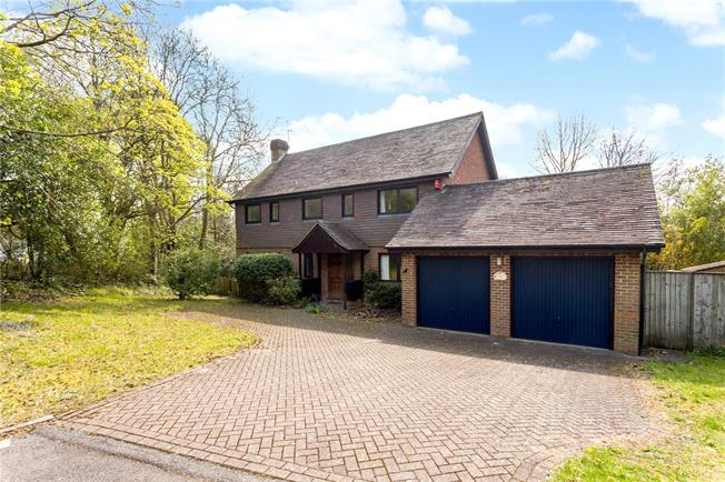 Guide Price £1,200,000, 4 Bedroom Detached House For Sale in Winchester, SO22