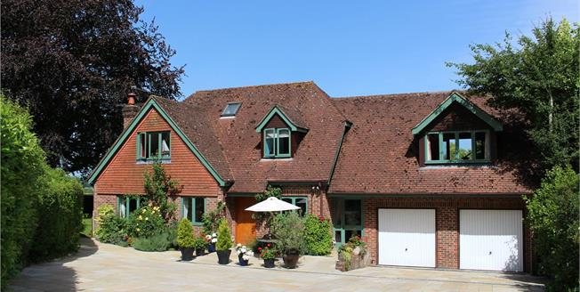 Guide Price £950,000, 5 Bedroom Detached House For Sale in Gundleton, SO24