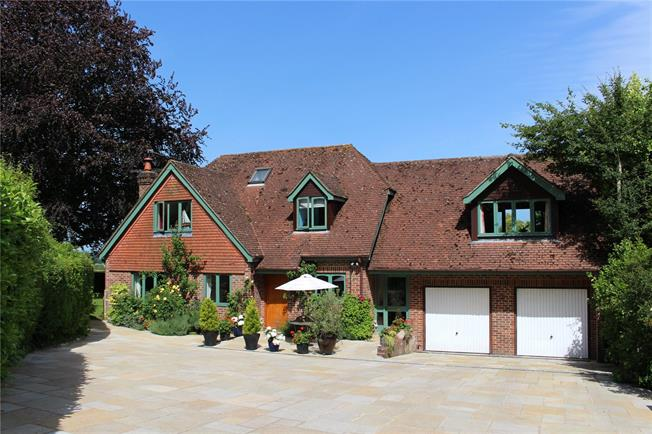 Guide Price £1,000,000, 5 Bedroom Detached House For Sale in Gundleton, SO24