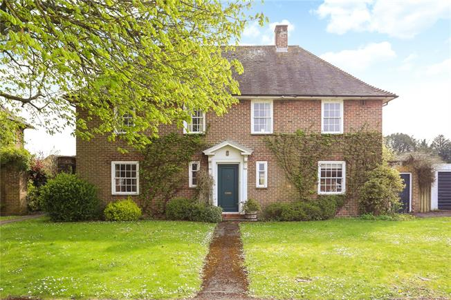 Guide Price £575,000, 3 Bedroom Garage For Sale in Barton Stacey, SO21