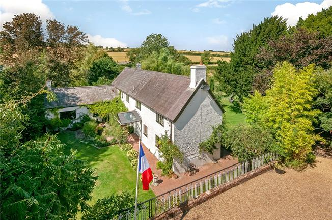 Guide Price £2,000,000, 4 Bedroom Detached House For Sale in Northington, SO24