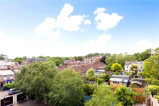 Guide Price £1,250,000, 3 Bedroom Semi Detached House For Sale in Winchester, SO23