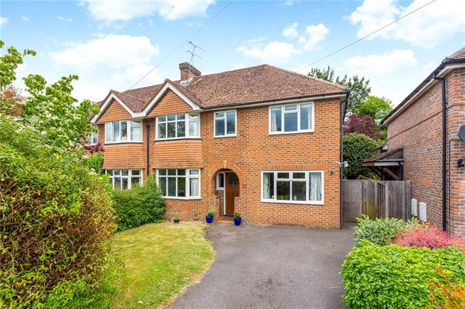 Guide Price £650,000, 4 Bedroom Semi Detached House For Sale in Winchester, SO22