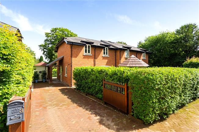 Guide Price £470,000, 2 Bedroom Semi Detached House For Sale in Compton, SO21
