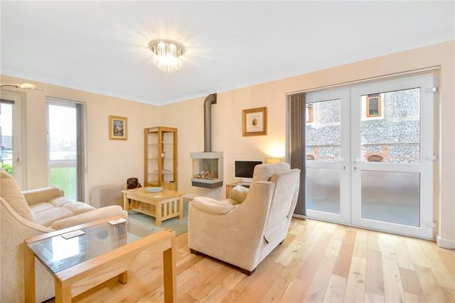 Guide Price £475,000, 3 Bedroom Flat For Sale in Hampshire, SO23