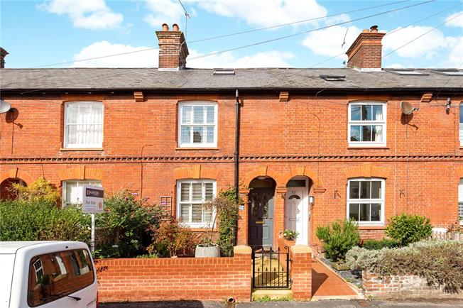 Guide Price £615,000, 3 Bedroom Terraced House For Sale in Winchester, SO23